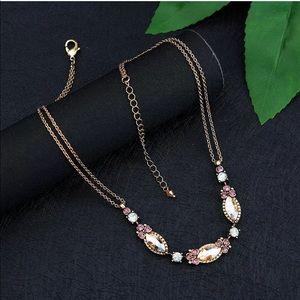 Jewelry - 💎 Beautiful Fall Rhinestone Gold Choker Necklace